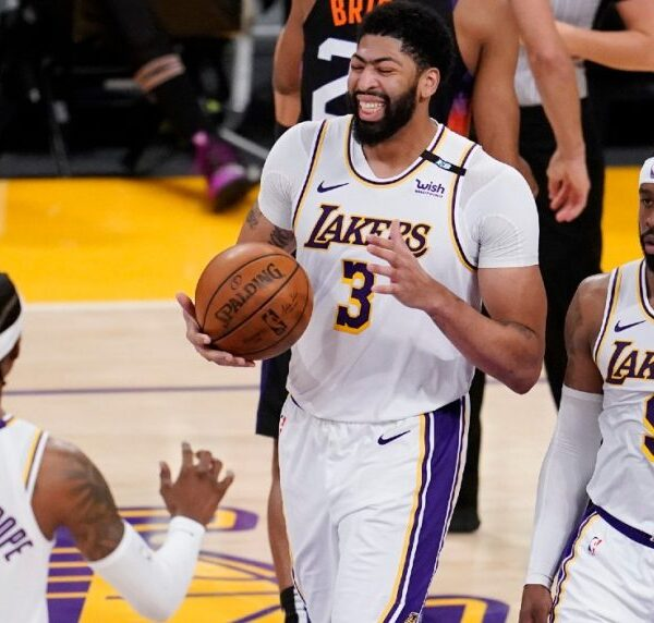 Anthony Davis Los Angeles Lakers vs Suns 2021
